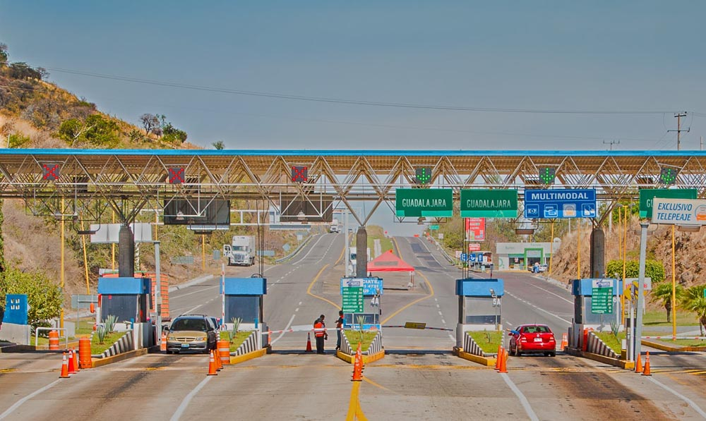 Autopista Maravatío - Zapotlanejo